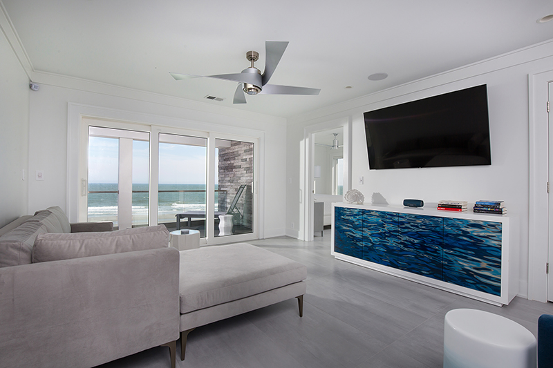 Third Floor Lounge With Ocean Views